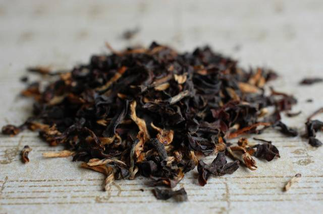 Tonganagaon Est Assam Dry Leaf 01-18-14